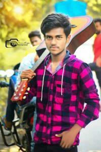 sandeep yadav pose by boy